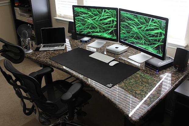 Que Bonito Mac Mini Com 2 Monitores De 27 Polegadas E Um
