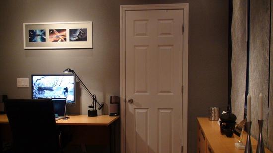 Balcão Quarto ~ Homeoffice no quarto, com uma escrivaninha e um balc u00e3o para apartamentos pequenos
